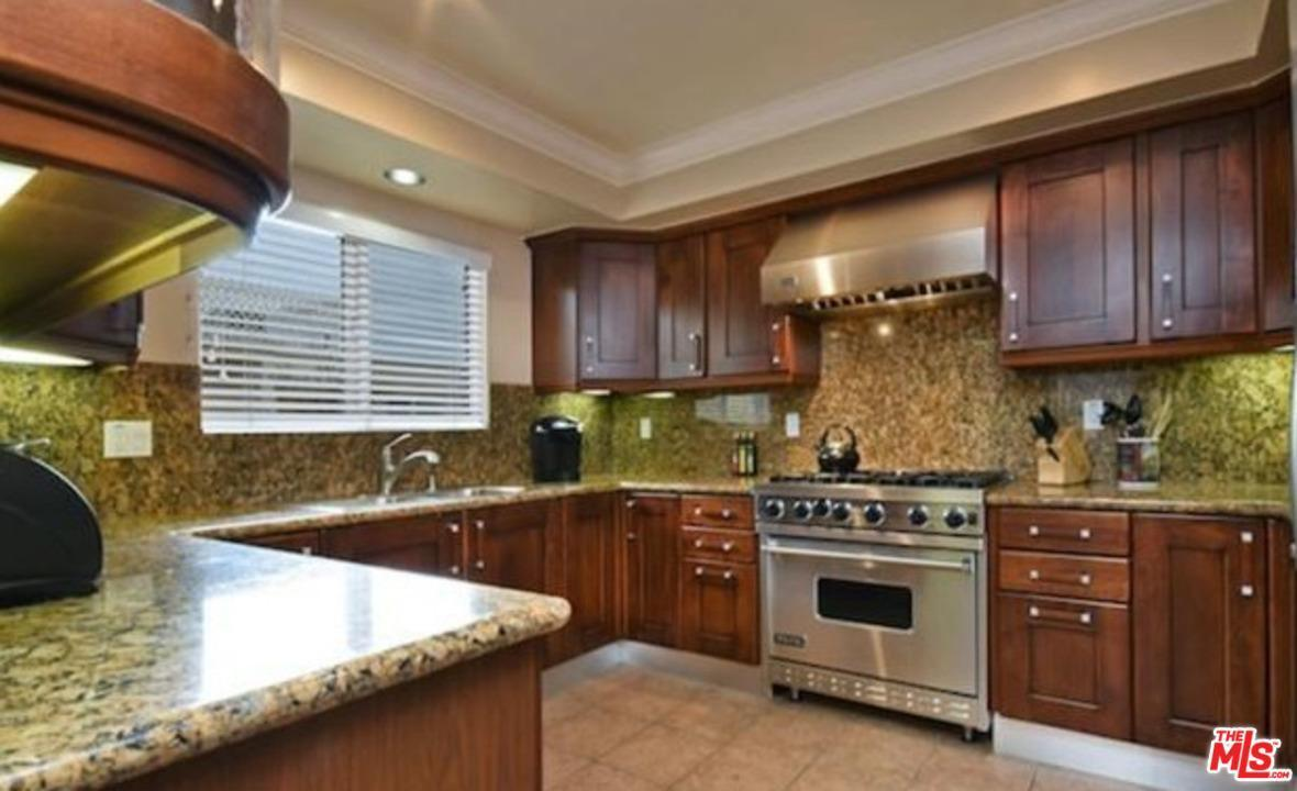 1246 Armacost Ave Ph 3 - Brad Keyes Real Estate